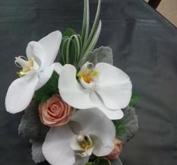 胡蝶蘭のコサージ
